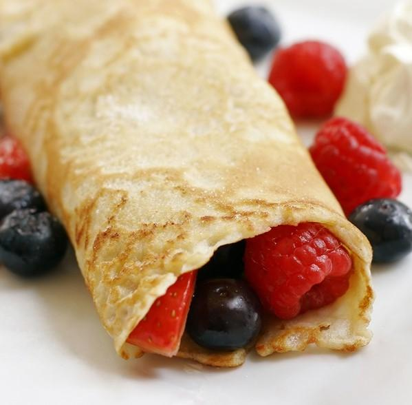 Mixed Berry and Yogurt Crepes